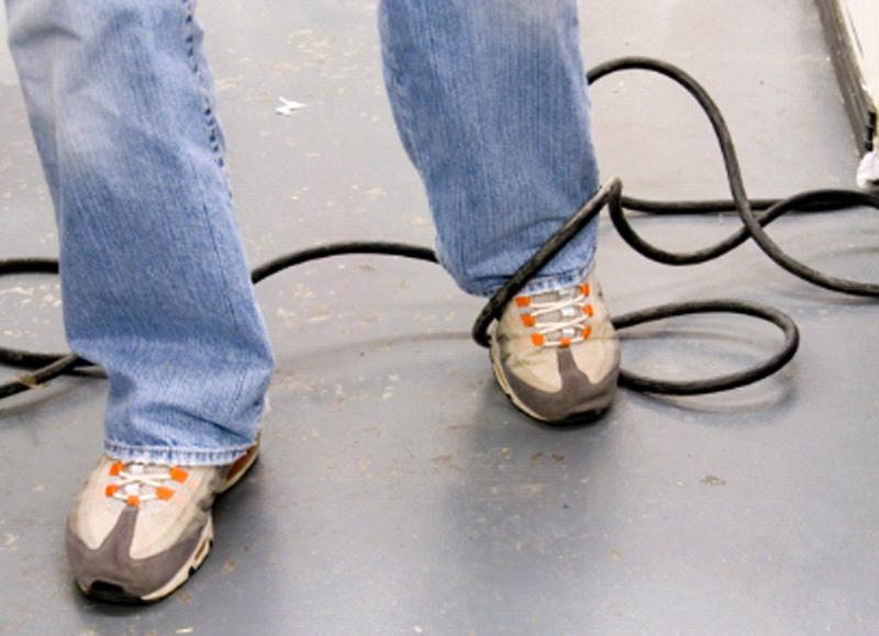 Tripping-on-Cord-iStock-cropped1 (1)